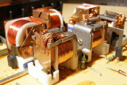 Zastosowanie przekaźnika (elektromagnetyzm)